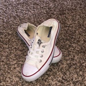 Great condition, white low-top converse!